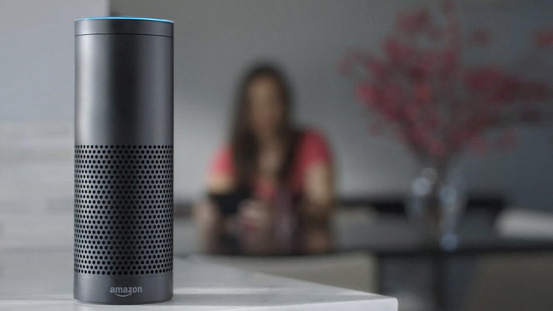 Amazon Echo, que incluye a Alexa