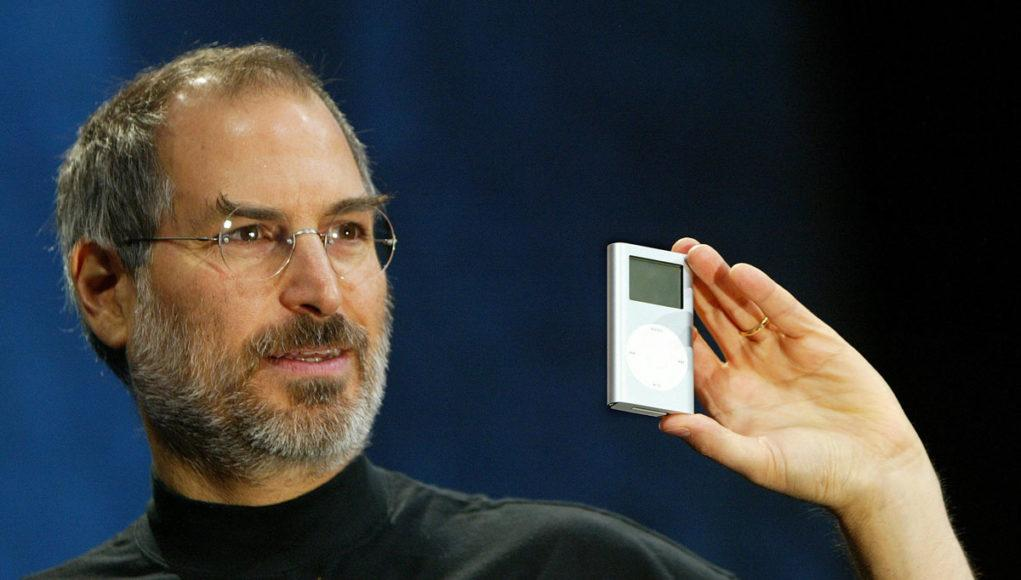 Steve Jobs con iPod