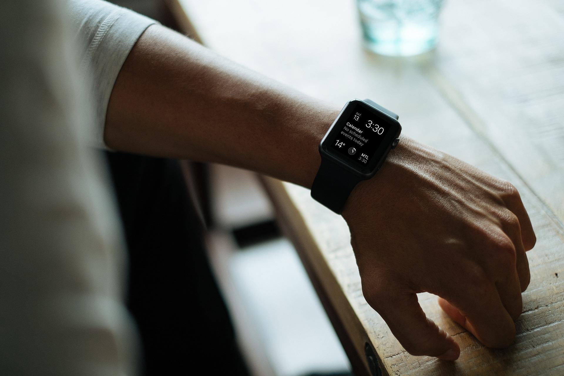 Apple prepara un método no invasivo con el Apple Watch que mida la glucosa en sangre