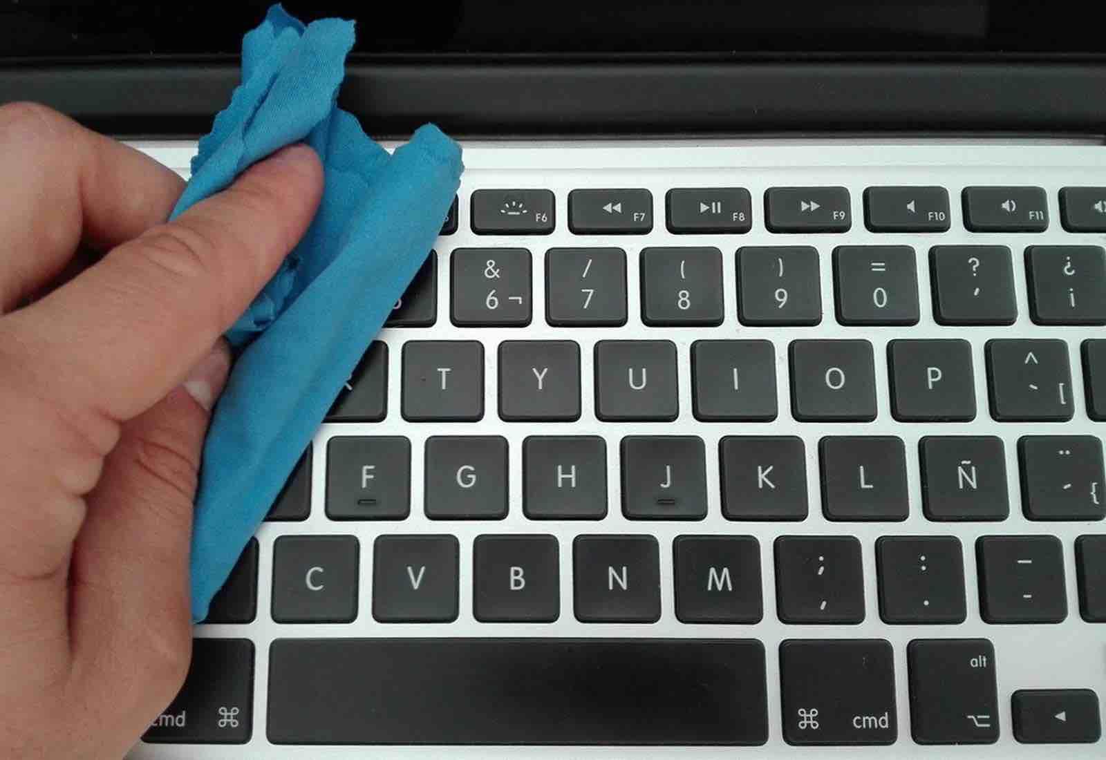 Limpiar el ordenador portátil