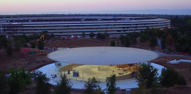 Los rumores confirman que ya habría empleados de Apple trabajando en estas instalaciones, pese a que aún no se conoce la fecha de su apertura oficial.
