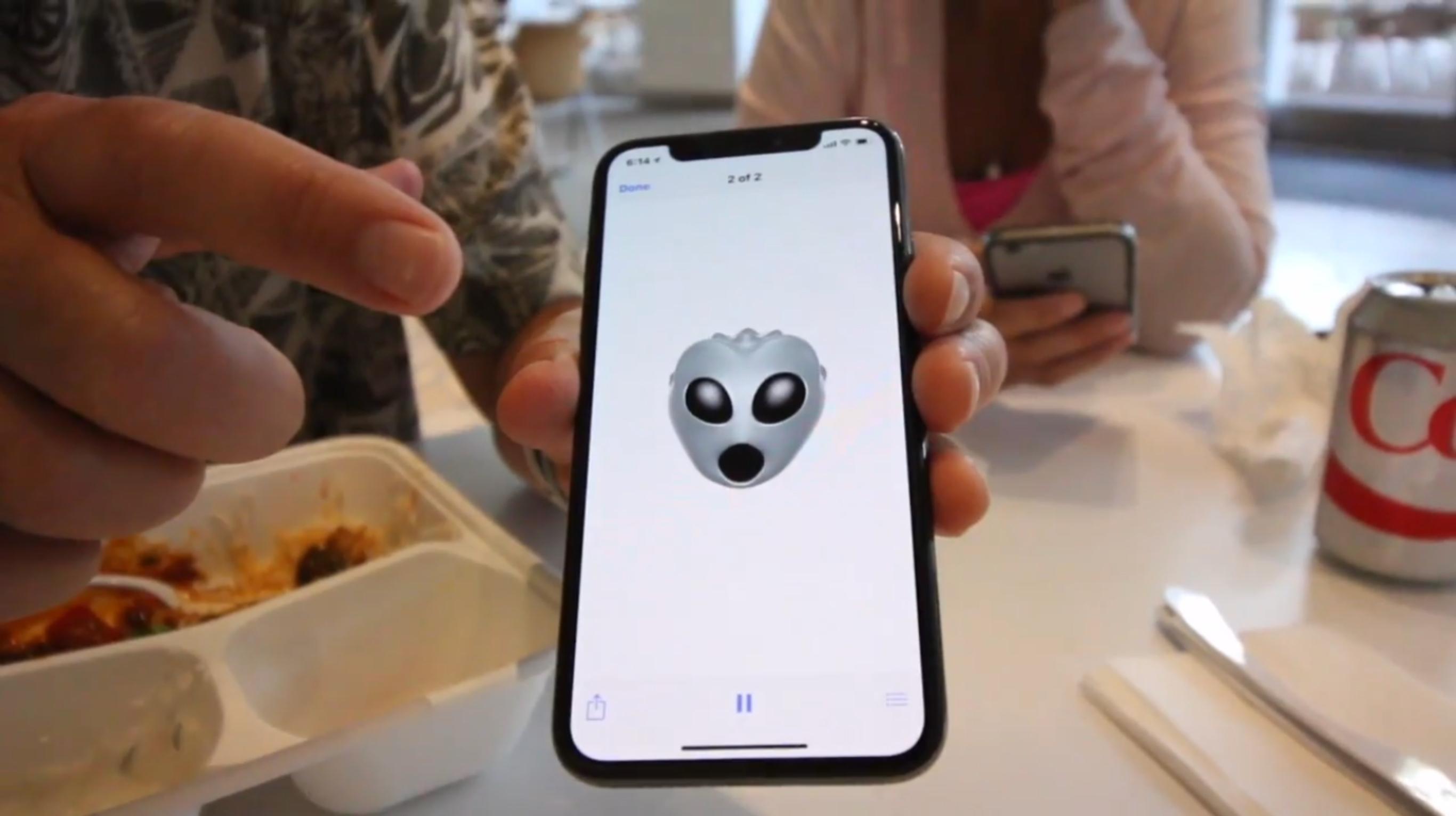 IPhone X Alíen Animoji