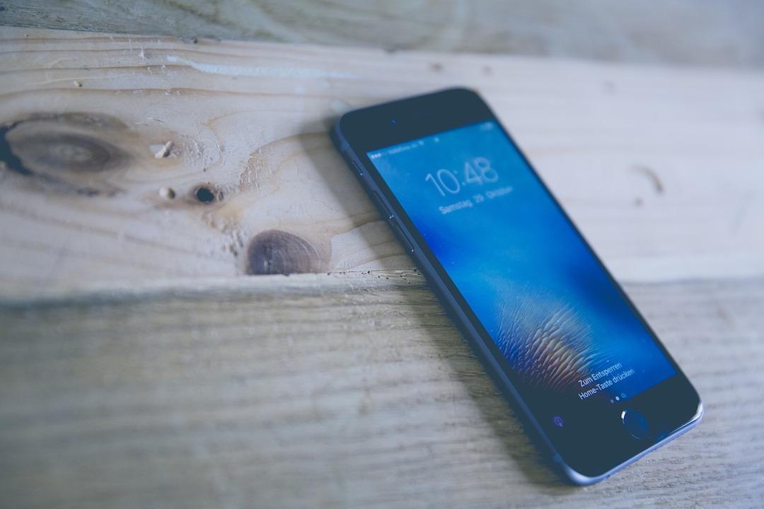iPhone-Luz Fria