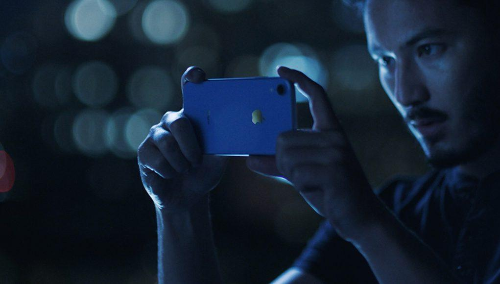 iPhone XR Reviews Apple Azul