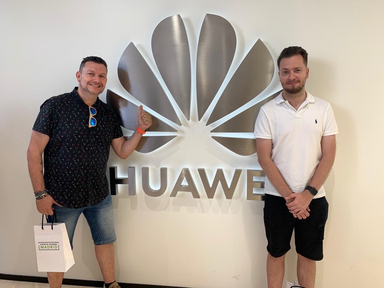 Espacio Huawei Apple Store